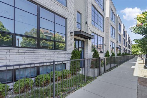2437 W Irving Park Unit 3W, Chicago, IL 60618 Northcenter