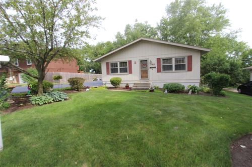 415 Plum, Lake In The Hills, IL 60156