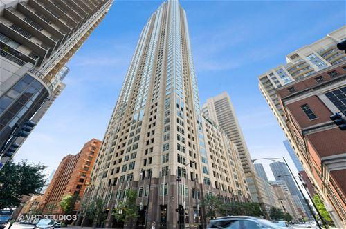 33 W Ontario Unit 19B, Chicago, IL 60654 River North