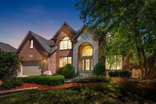 26045 Whispering Woods, Plainfield, IL 60585