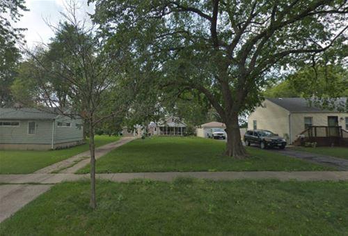 24 S Park, Westmont, IL 60559