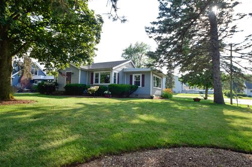 1213 Crystal Lake, Lake In The Hills, IL 60156