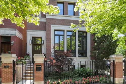 1727 W Wellington, Chicago, IL 60657 Lakeview