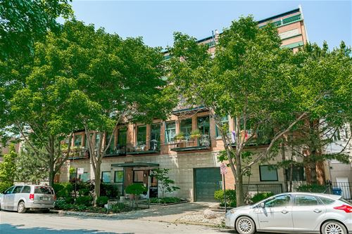 920 W Sheridan Unit 203, Chicago, IL 60613 Lakeview