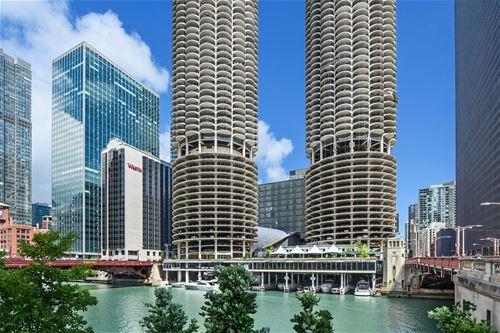 300 N State Unit 5716, Chicago, IL 60654 River North