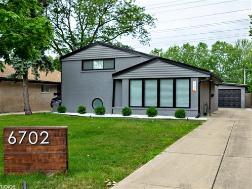 6702 N Kenneth, Lincolnwood, IL 60712