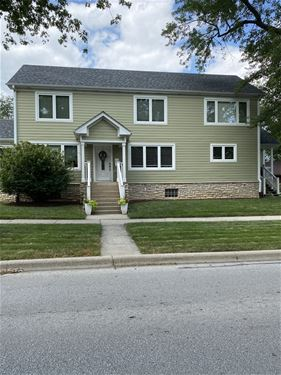 229 N Myrtle, Elmhurst, IL 60126