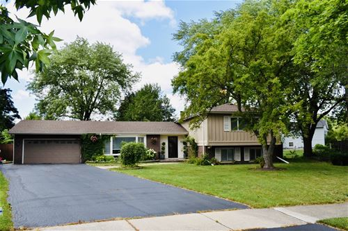 518 N Castle, Addison, IL 60101