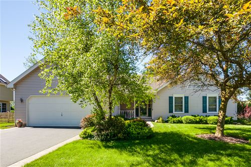 317 Wooded Knoll, Cary, IL 60013