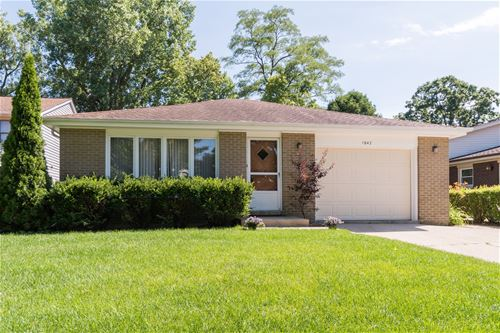 1042 Devonshire, Highland Park, IL 60035