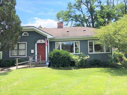 401 Opatrny, Fox River Grove, IL 60021
