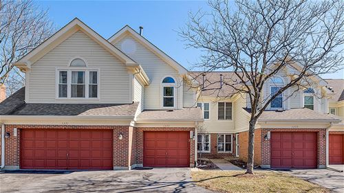 1375 S Old Wilke, Arlington Heights, IL 60005