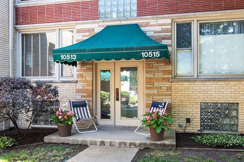 10513 S Artesian Unit 2, Chicago, IL 60655 West Beverly