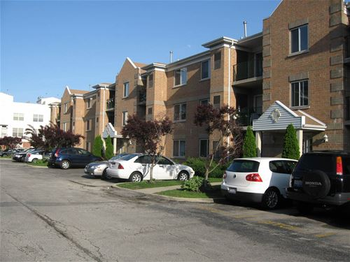5351 N East River Unit 301, Chicago, IL 60656 O'Hare