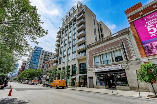 744 N Clark Unit 401, Chicago, IL 60654 River North