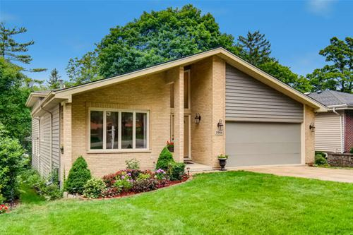 3946 Earlston, Downers Grove, IL 60515