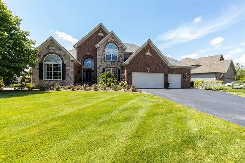 1798 Queensport, Crystal Lake, IL 60014