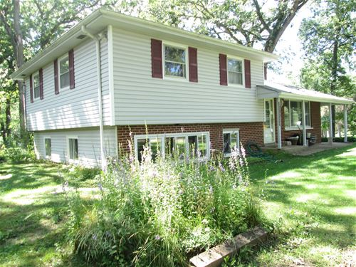 505 Hickory, Woodstock, IL 60098