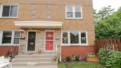 1013 N Harlem Unit C, Oak Park, IL 60302