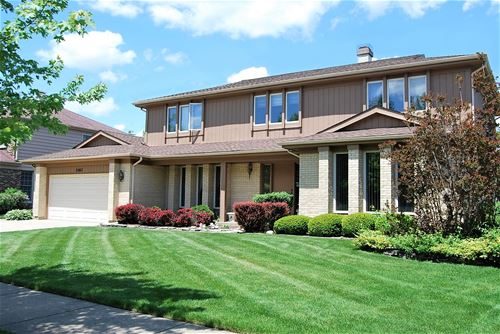 2263 N Charter Point, Arlington Heights, IL 60004