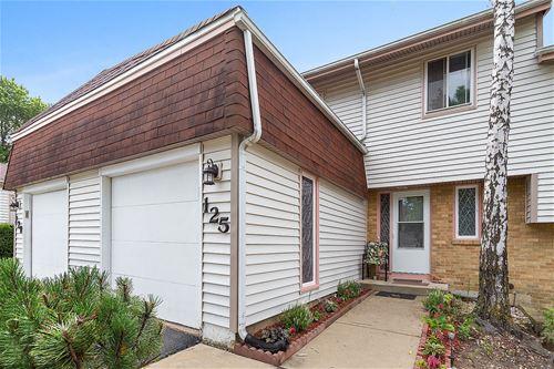 125 Pamela, Bolingbrook, IL 60440