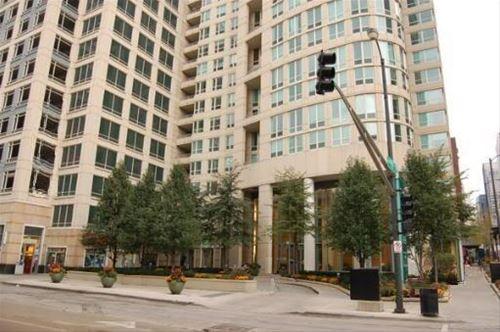 345 N La Salle Unit 905, Chicago, IL 60654 River North