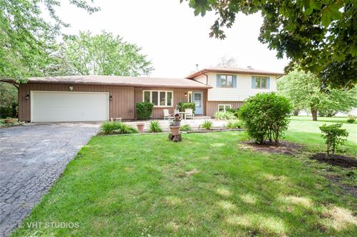11702 Esther, Woodstock, IL 60098