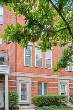 2701 W Dakin Unit 32, Chicago, IL 60618