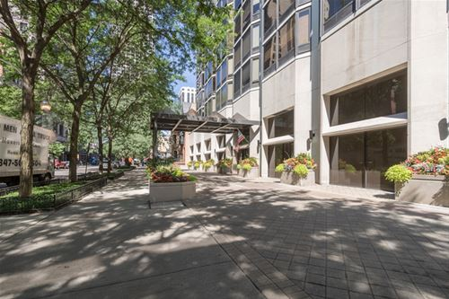 50 E Bellevue Unit 605, Chicago, IL 60611 Gold Coast