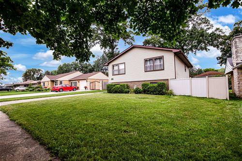 424 N Berwick, Waukegan, IL 60085