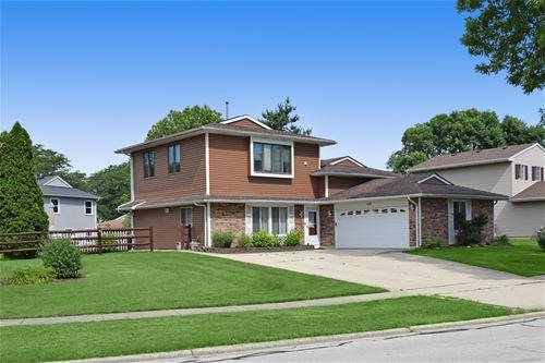 990 W Pine, Roselle, IL 60172