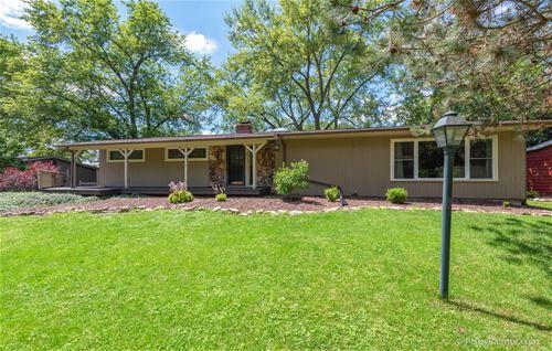 8611 Hickory Nut Grove, Cary, IL 60013