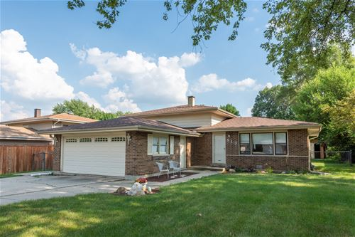 813 Forest, Bartlett, IL 60103