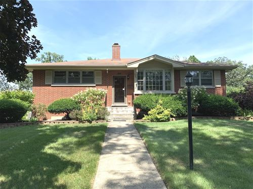 906 Stoos, Naperville, IL 60540