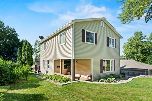 607 Spring, St. Charles, IL 60174