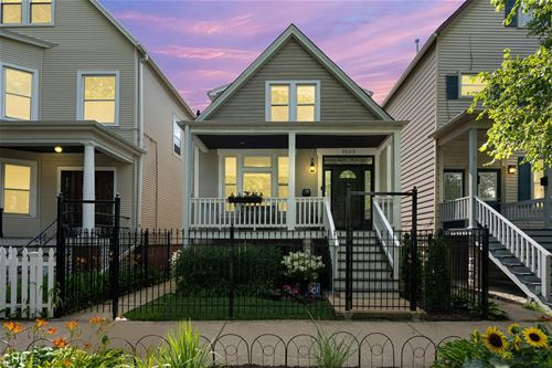 2922 N Seeley, Chicago, IL 60618