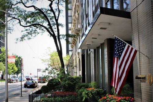 253 E Delaware Unit 11G, Chicago, IL 60611 Streeterville