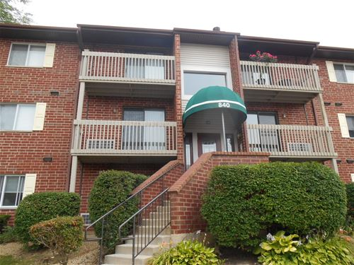 840 N Lakeside Unit 2A, Vernon Hills, IL 60061
