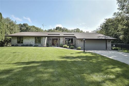 1100 Donegal, Woodstock, IL 60098