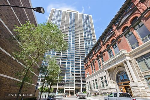 1560 N Sandburg Unit 1403, Chicago, IL 60610 Old Town