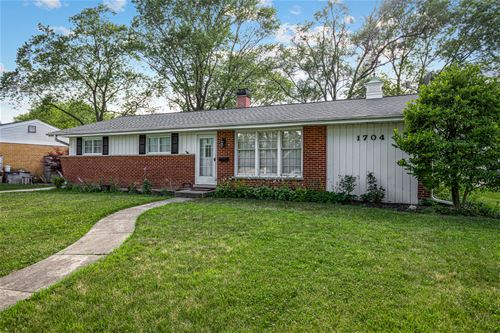 1704 N Walnut, Arlington Heights, IL 60004
