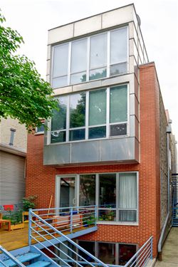 920 N Hermitage Unit 2, Chicago, IL 60622 East Village