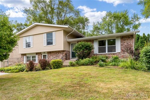 314 Plum, Lake In The Hills, IL 60156