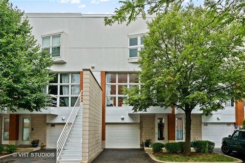 1747 W George, Chicago, IL 60657 Lakeview