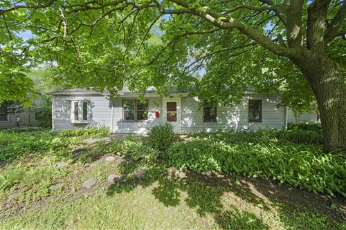700 Lincolnwood, Streamwood, IL 60107