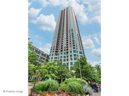 400 N La Salle Unit 812, Chicago, IL 60654 River North