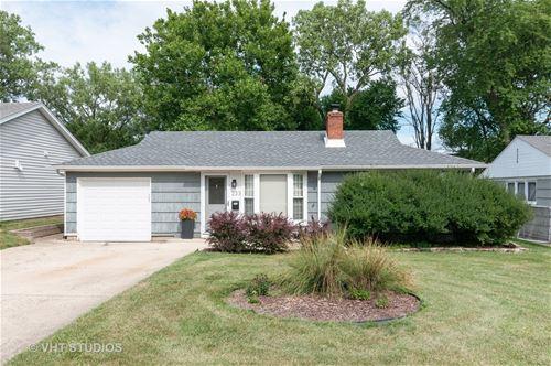 233 N Knollwood, Wheaton, IL 60187