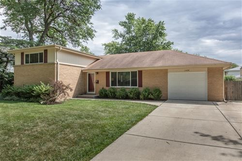 1439 N Hickory, Arlington Heights, IL 60004