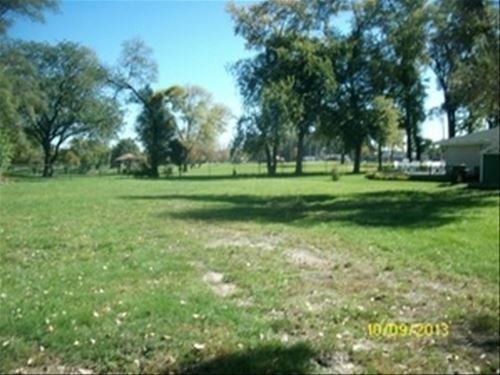 2321 Eastview, Des Plaines, IL 60018