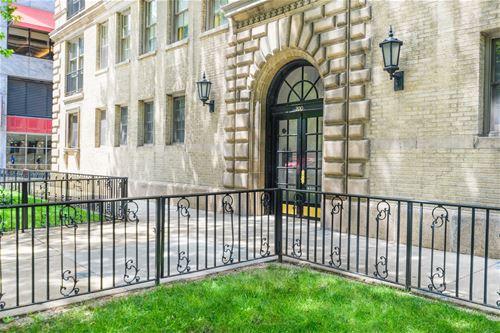 200 E Pearson Unit 4E, Chicago, IL 60611 Streeterville